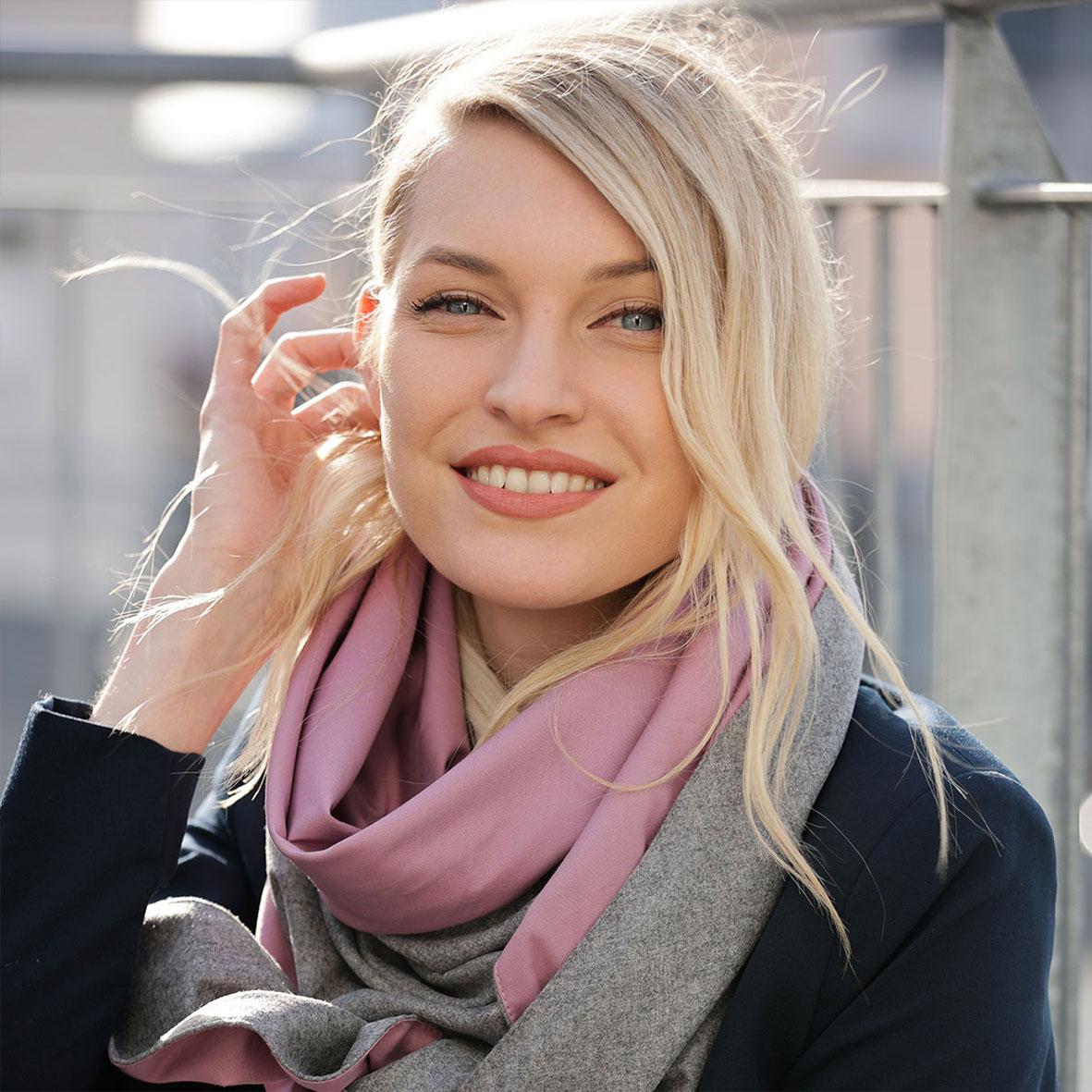 Schultertuch aus Merinowolle, Dreieckstuch für Damen zum Binden, Wollschal, Herbstlooks, Loden aus Österreich