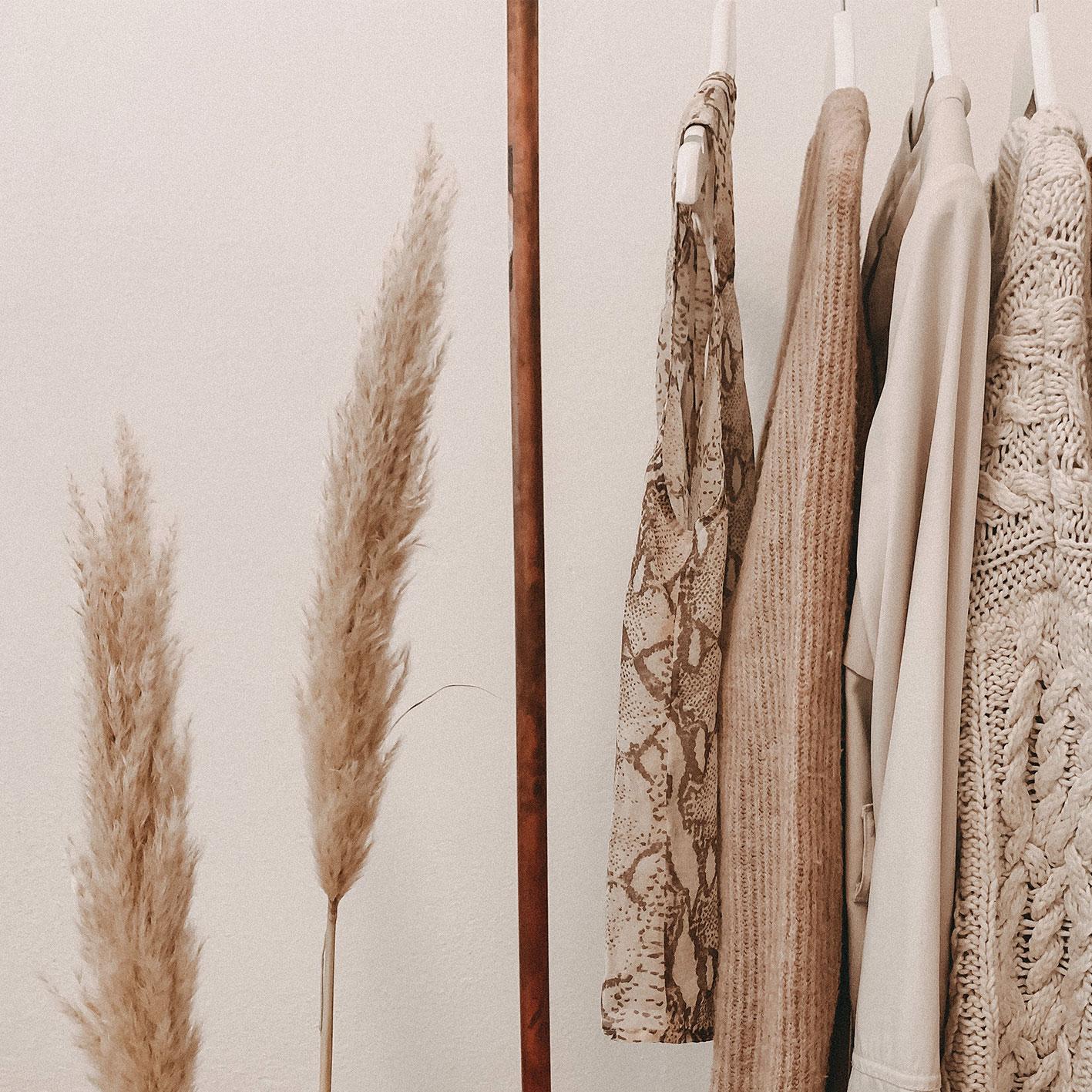 Schrank Outfits Hochwertige Materialien Wolle Natur